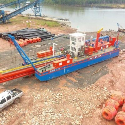 24 inch cutter dredger dredging floating pipelines