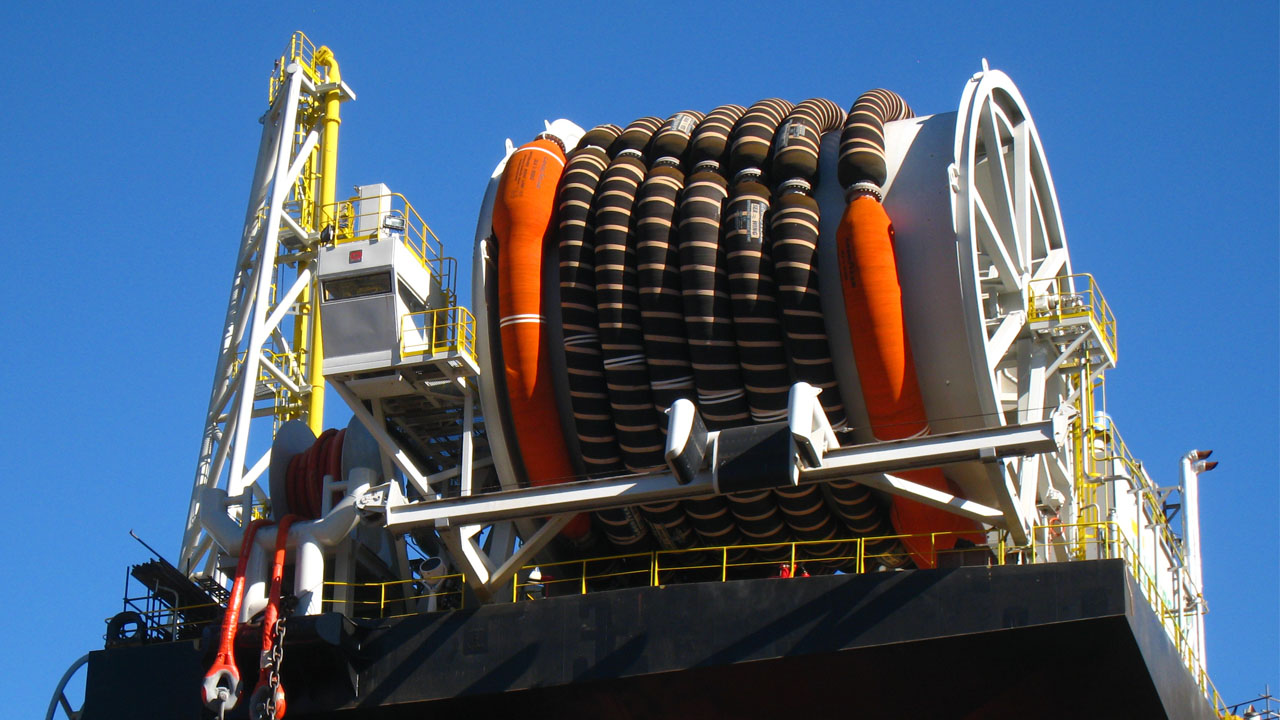 Reeling Systems for Hoses